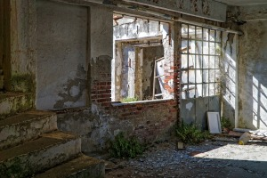 abandoned-1845188_960_720
