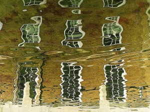 reflection-1977040_960_720